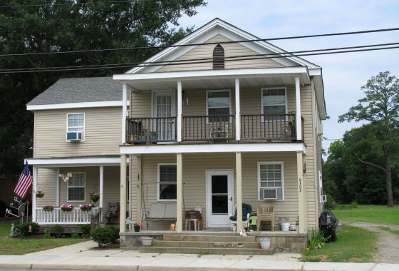 4-Unit Apartment Building